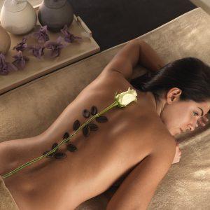 massaggio con rosa e cioccolata esclusiva tips