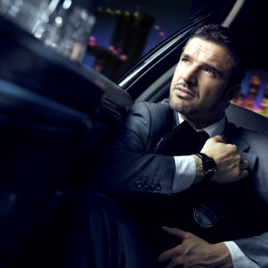 businnesman in limousineesclusiva tipsrealese: tutti gli utilizzirealese model: si